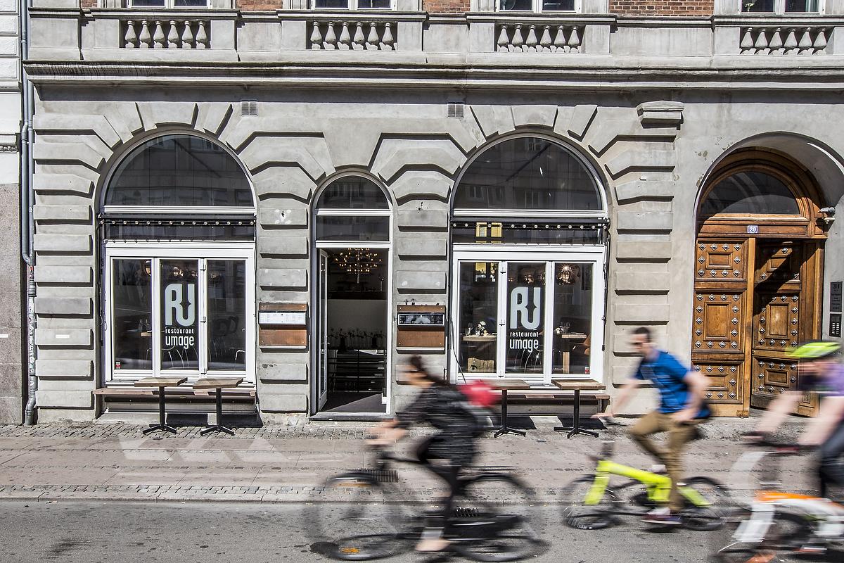 Restaurant UMAGE ligger på Frederiksborggade ved Torvehallerne og Nørreport Station