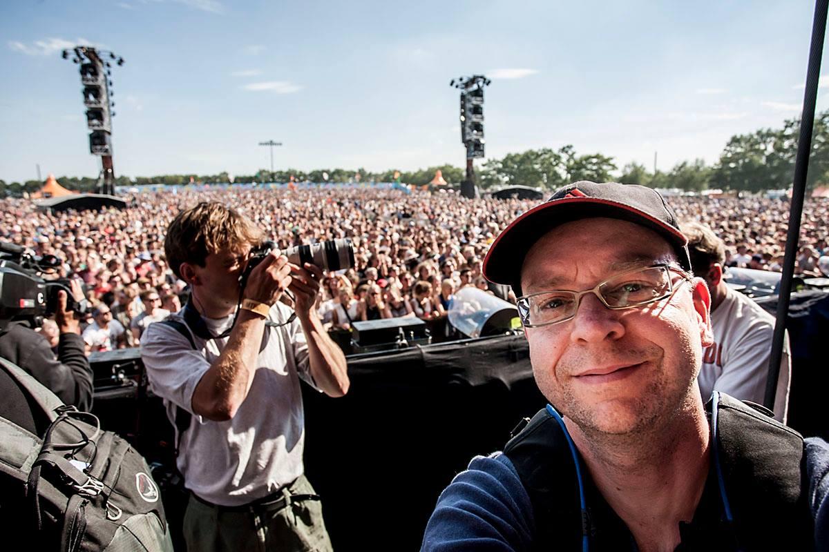 Selfie i fotopitten på Orange Scene, Roskilde Festival 2014.