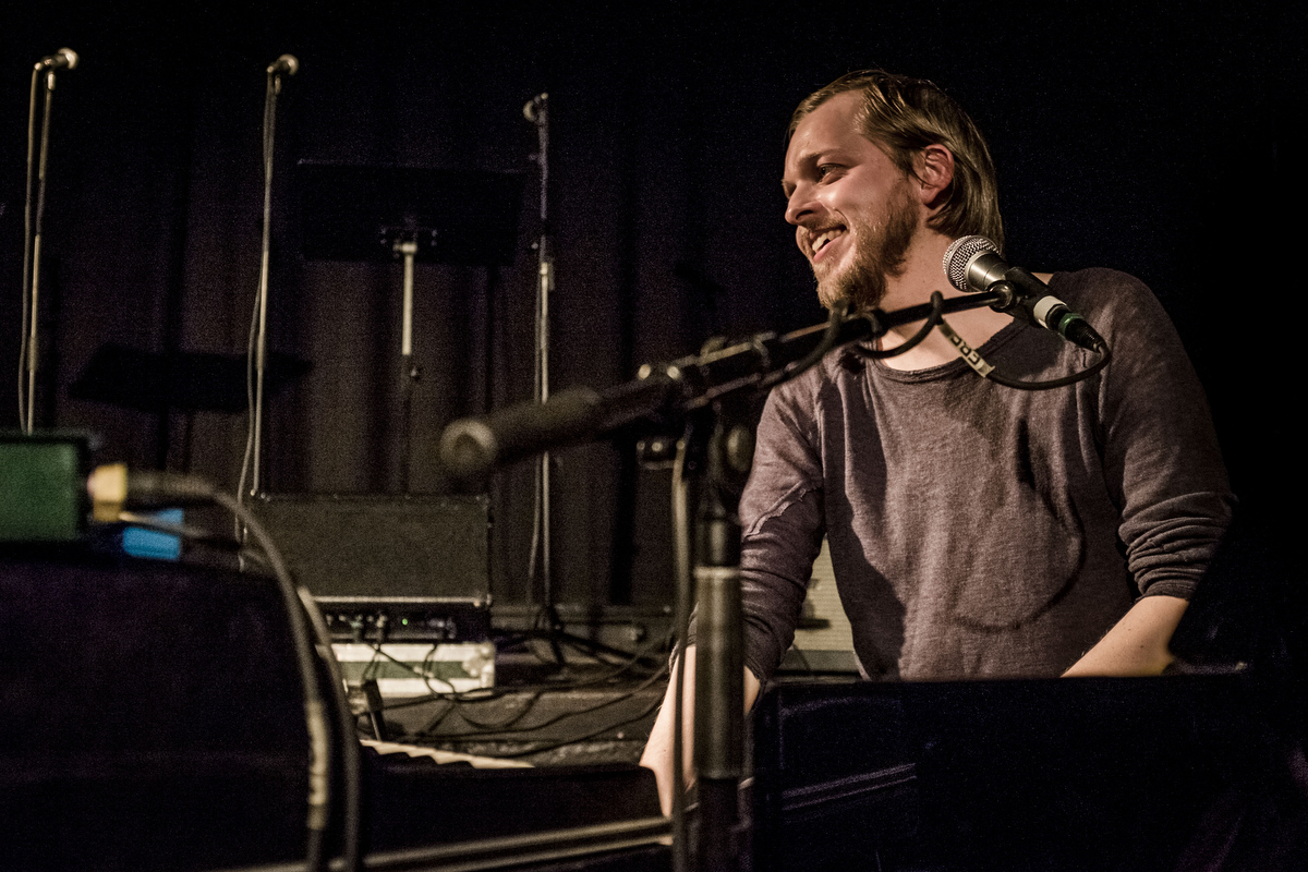 Teitur er født på Færøerne, men har i ca. 20 år været en del af det københavnske musikmiljø.
