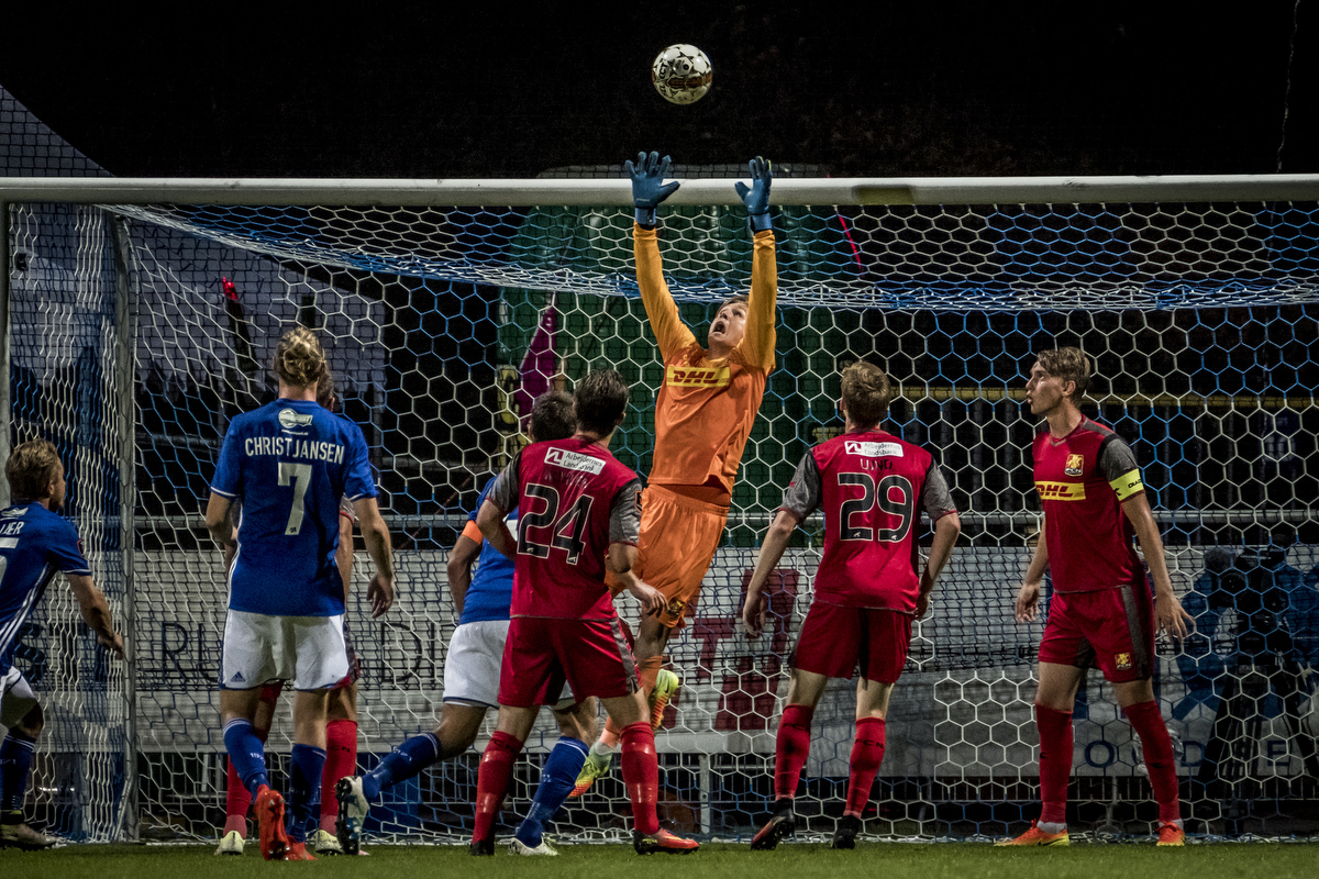 Lyngby vs FCN (Danish ALKA Superliga) Another shot at about 100 meters. It's great to be able to get good shots of the goal keeper, which can be difficult. X-Pro2 – 100-400 @ 400 mm – ISO 6400 – f/5.6 – 1/800 sec