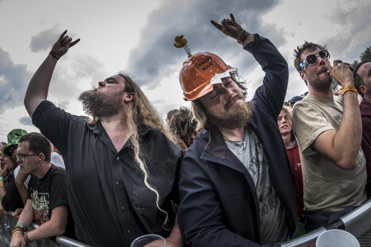Fans enjoying stoner rock from the band Bersærk. This image won me the prize